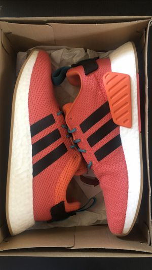 Adidas NMD R2 New in box for Sale in Gardena, CA