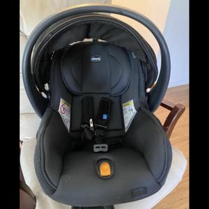 Chicco Fit2 Rear facing Car seat for Sale in Austin, TX