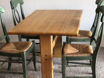 Dining Room Table With Chairs for Sale in Beverly Hills,  CA