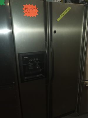 🔥🔥SALE 🔥🔥KENMORE SIDE BY SIDE DOORS FRIDGE 36IN WORKING PERFECT W /4 MONTHS WARRANTY for Sale in Baltimore, MD