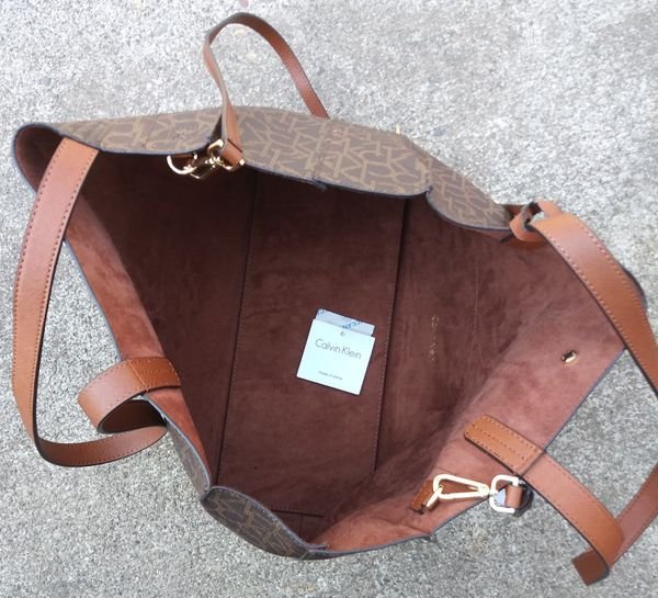 606b3e08f42 Calvin Klein Monogram Tote Bag for Sale in Portland, OR - OfferUp
