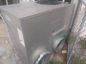 4 ton AC unit blows ice cold for Sale in Jacksonville, FL
