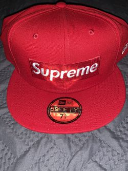 Supreme Champions Box Logo New Era 7 5/8 for Sale in Matthews,  NC