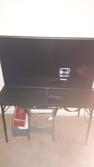 Lg 44 In Flatscreen Tv for Sale in Hampton, VA