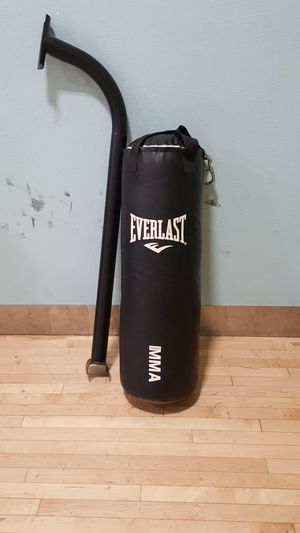 Everlast MMA Bag and Stand for Sale in Phoenix, AZ