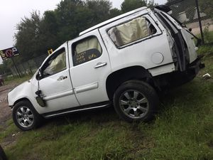 2007 GMC YUKON DENALI 6.2L FOR PARTS ONLY for Sale in Dallas, TX