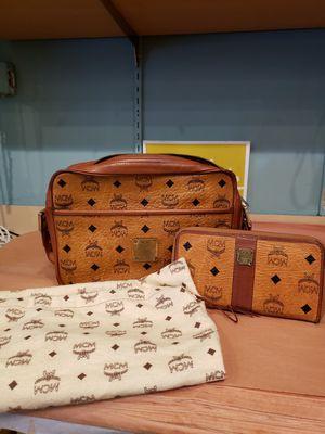 Mcm vintage bag+waltt for Sale in Los Angeles, CA