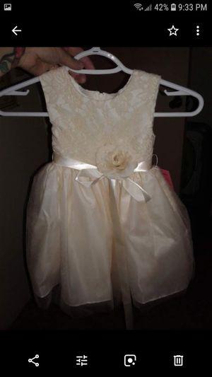 2 flower girl dresses for Sale in Clovis, CA