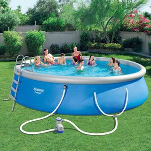 "Bestway Fast Set 18' x 48"" Swimming Pool Set for Sale in Houston, TX"