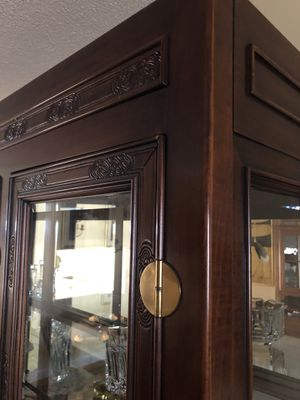 $999. Gorgeous Timeless solid wood Chinese theme China cabinet or curio or display breakfront. for Sale in Boca Raton, FL