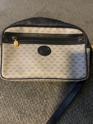 Gucci crossbody purse grey for Sale in Norfolk Historic District, CT