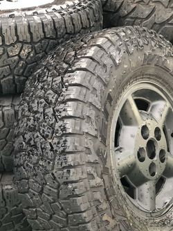 31x10.50 R15 / 5 X 4.75 for Sale in Gladstone,  OR