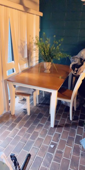 New dining table and 4 chairs set for Sale in Lexington, KY