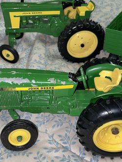 Vintage 1994 Diecast John Deere Tractor for Sale in Staten Island,  NY