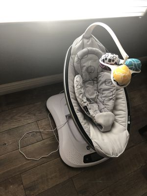 4moms mamaRoo 4 baby swing for Sale in Chandler, AZ