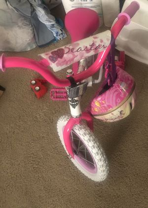 Girls Bike with Training Wheels for Sale in Quantico, VA