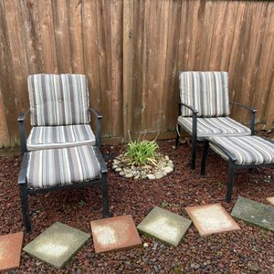 Outside Furniture Set (2 Chairs + 2 Ottomans With All The Cushions) for Sale in Kent, WA