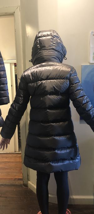 Burberry coat size Small $500 brand new for Sale in Bronx, NY