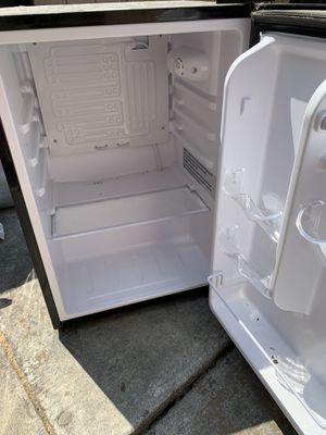 Mini refrigerator for Sale in San Jose, CA