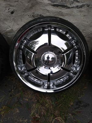 Price drop!! 20x8.5 Chrome Alloys by ELEMENT WHEELS for Sale in Woonsocket, RI