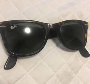 Ray Ban Wayfarer - Tortoise Shell Sunglasses w/ Case for Sale in St. Louis, MO