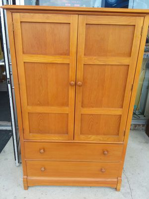 Thomasville Armoire Dresser Chest! Extra clean! Credit cards accepted! for Sale in Joliet, IL