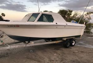 1981 Capri by sportscraft boat with trailer for Sale in Mims, FL