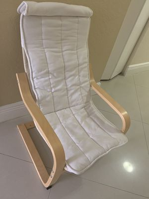 Kids chair recliner wood (cover is cotton and washable) for Sale in Sunrise, FL