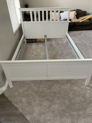 Queen size bed frame for Sale in Highland, CA
