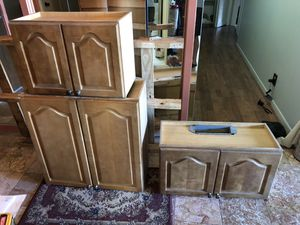 Used Kitchen Cabinets wall for Sale in Alexandria, VA