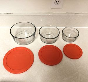 Set of 3 Pyrex Containers with Lids for Sale in Orlando, FL