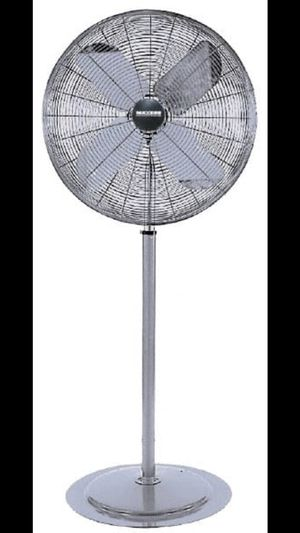 "Maxess commercial 24"" oscillating fan for Sale in Queens, NY"