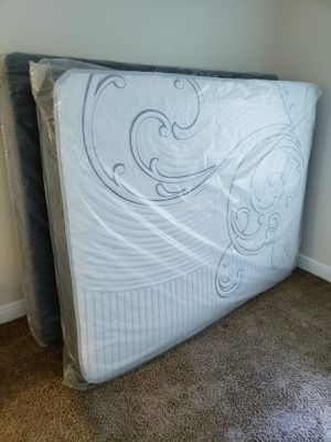 NEW QUEEN MATTRESS WITH BOX SPRING. Bed frame is not available. Take it home the same day 👍 for Sale in Lake Worth, FL