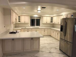 Antique White Kitchen Cabinet / Quartz Counter tops Warehouse for Sale in El Monte, CA