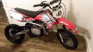 125cc apollo rfz racing dirt bike, brand new automatic comes with helment for Sale in Emporia, VA