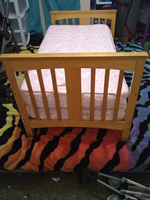 Toddler bed and mattress for Sale in Lodi, CA