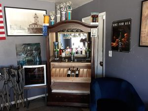 Liquor cabinet with lights for Sale in Fresno, CA