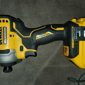 Dewalt Atomic 20v Compact Impact drill for Sale in Liberty, MO