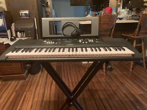 Electric Keyboard for Sale in Houston, TX