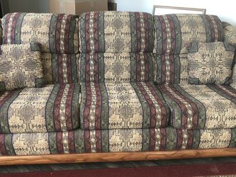 Nice Free Couch for Sale in Aurora,  CO