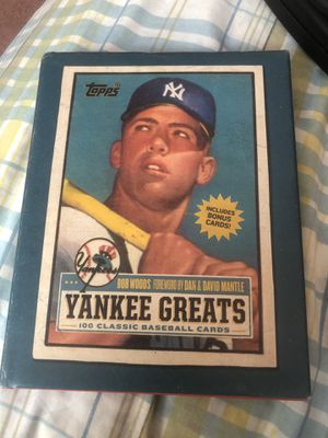 Topps Yankee greats 100 baseball cards for Sale in Lakewood Township, NJ