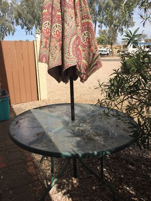#329a. Patio Table and Umbrella: Please Read Details for Sale in Gilbert, AZ