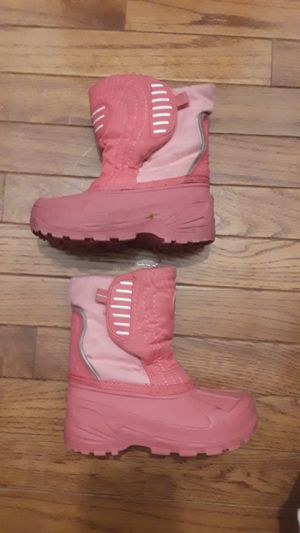 Girls snow boots toddler size 9 for Sale in Chicago, IL