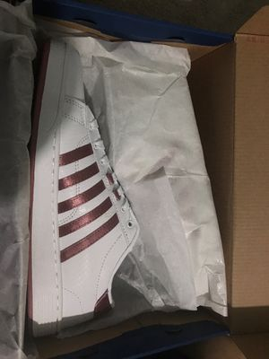 9.5 girl tennis shoes (white-rose gold) for Sale in Gaithersburg, MD