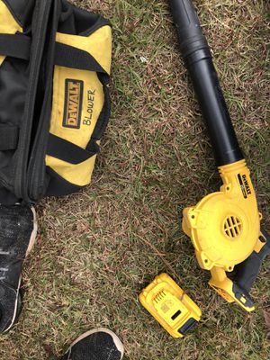 20 volt dewalt blower with charger,battery and bag for Sale in Albany, GA