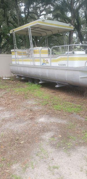 26ft pontoon with jhonson outboard for Sale in Seffner, FL
