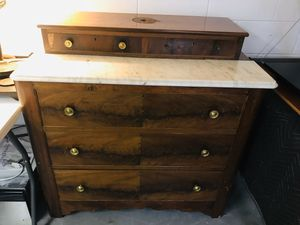 VINTAGE ANTIQUE MARBLE-TOP WOODEN DRESSER for Sale in Fountain Inn, SC