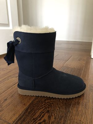 Koolaburra by UGG size: 6, brand new in box for Sale in Los Angeles, CA