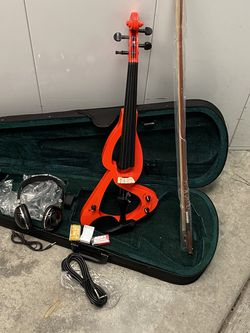 Electric Violin 🎻 4/4 Full Size for Sale in Livermore,  CA