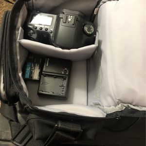 Cannon 10d (Great Starter Camera) With Bag for Sale in Houston, TX